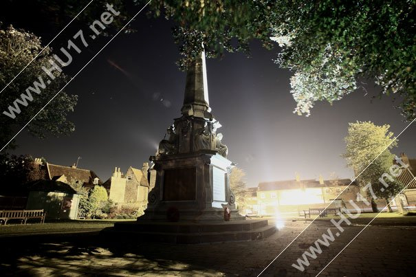 Night Photography : Canon 5D With EF17-35mm F2.8L Lens